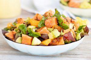 Receta de ensalada verde con salmón y mandarinas